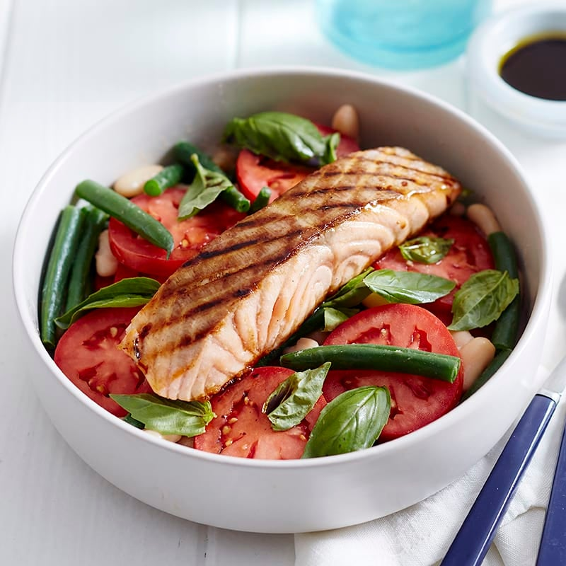 Photo of Grilled salmon with tomato and bean salad by WW