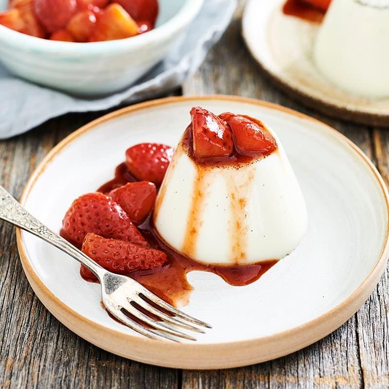 Photo of Vanilla panna cotta with balsamic strawberries by WW
