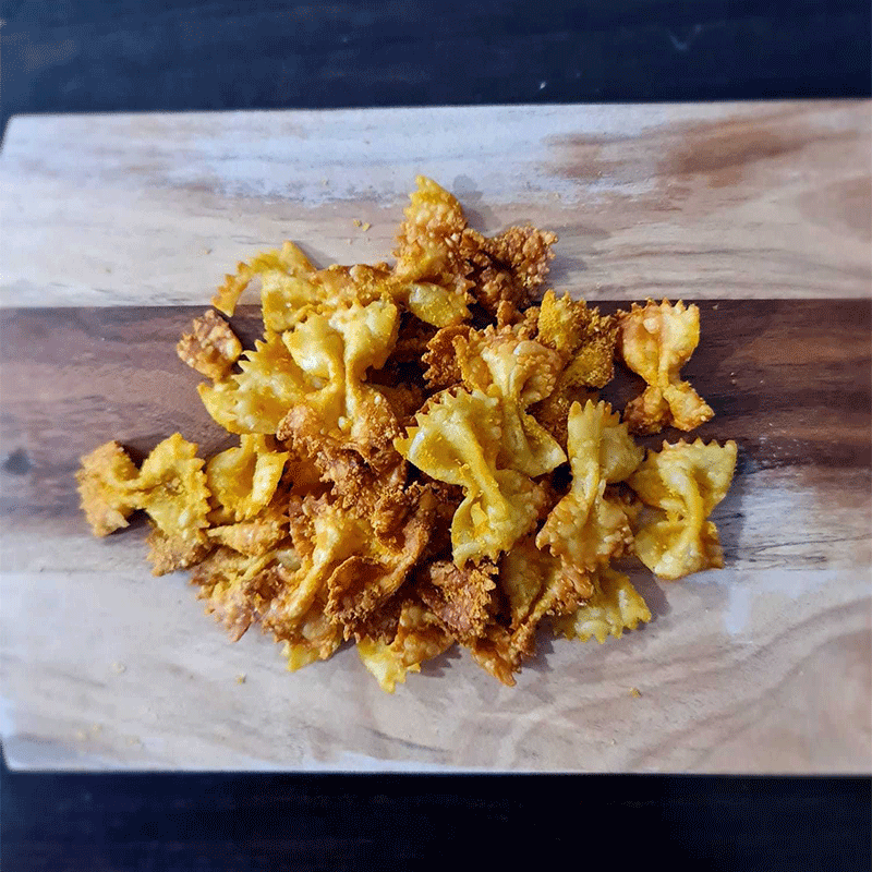 Photo of Air-fryer pasta chips by WW
