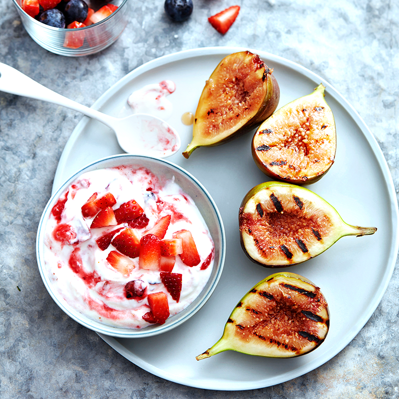 Photo of Grilled figs with smashed berry yoghurt by WW
