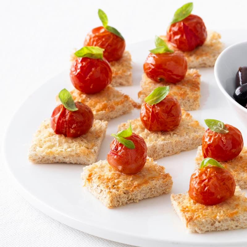 Photo of Parmesan toasts with roasted cherry tomato by WW