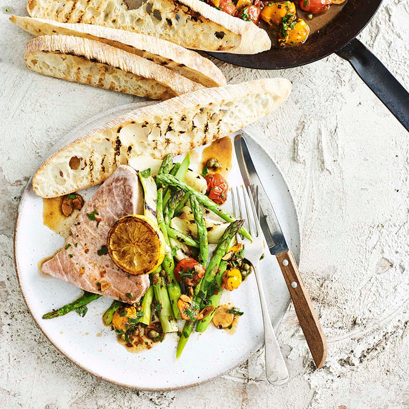 Photo of Tuna with cherry tomatoes, capers and herbs by WW