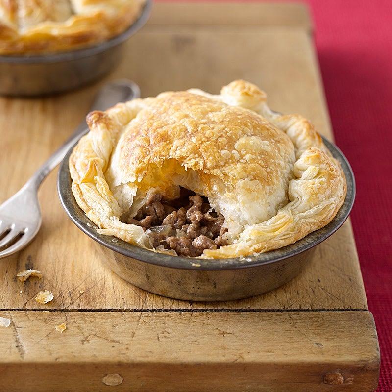 Photo of Aussie meat pie by WW