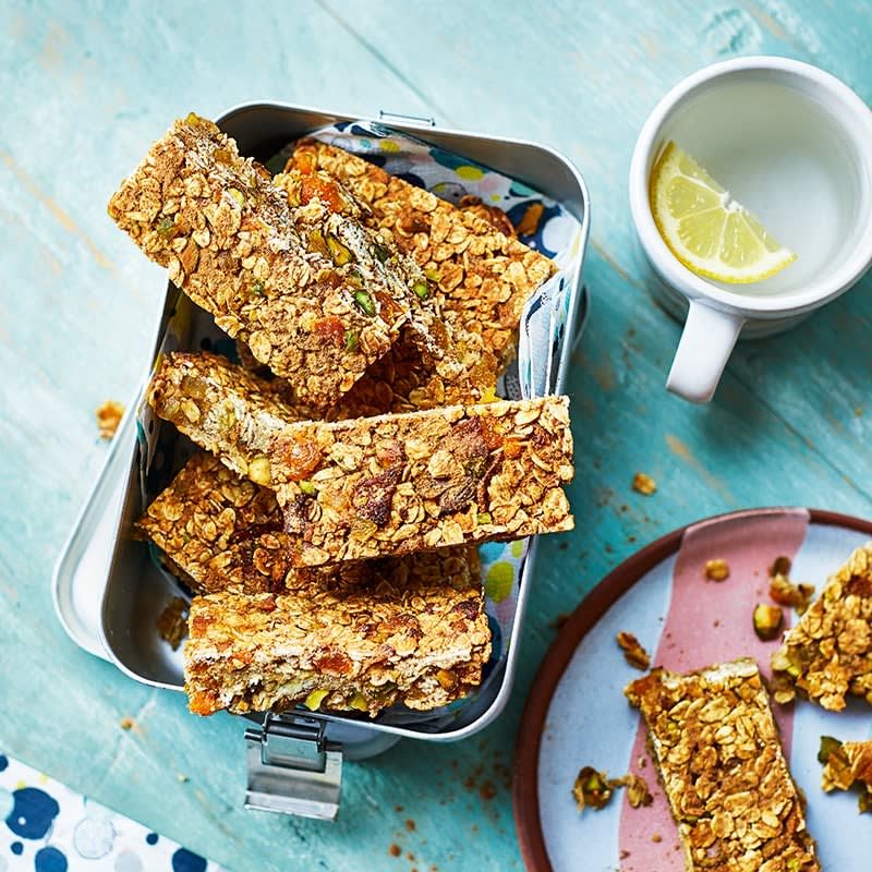 Photo of Apricot and pistachio breakfast bars by WW