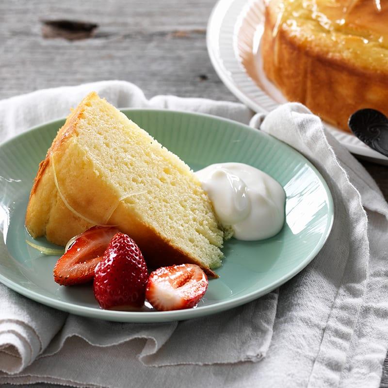 Photo of Lemon yoghurt syrup cake by WW