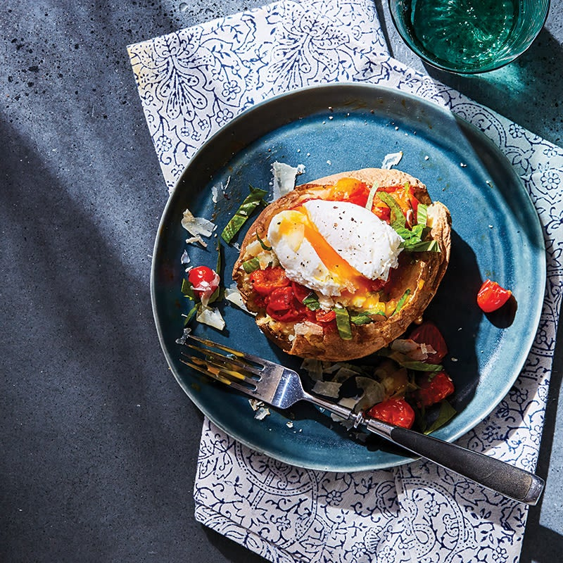 Photo of Baked potato with tomato and fried egg by WW