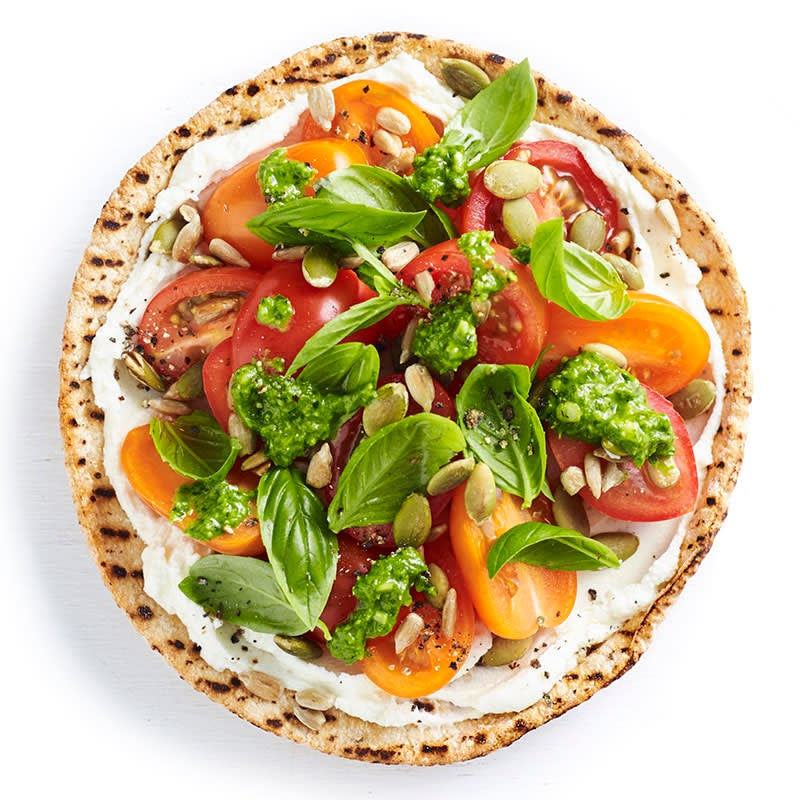 Photo of Fresh tomato, goat's cheese, basil and seeds pizza by WW