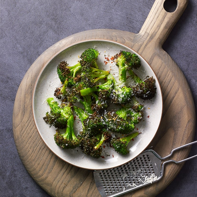 Photo of Crunchy air fryer broccoli with parmesan by WW