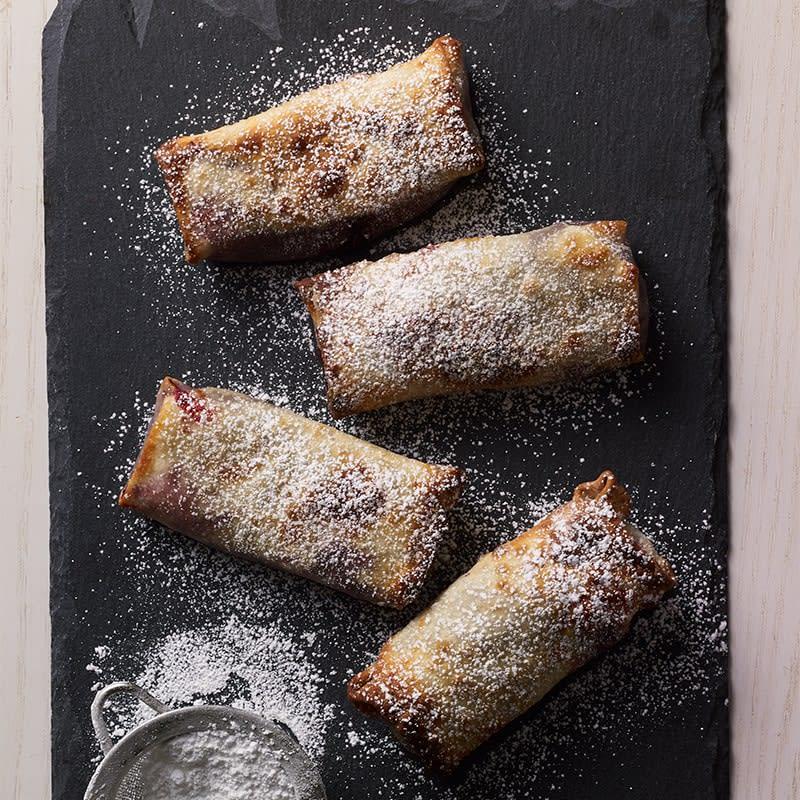 Photo of Air fryer cherry-pie rolls by WW