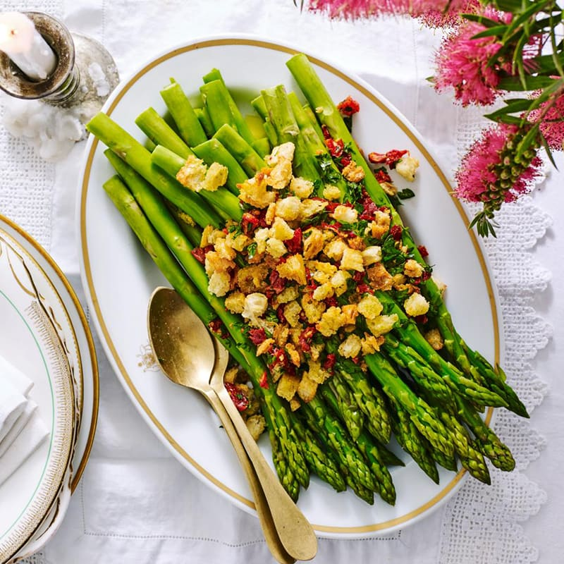 Photo of Braised asparagus with crunchy crumbs by WW
