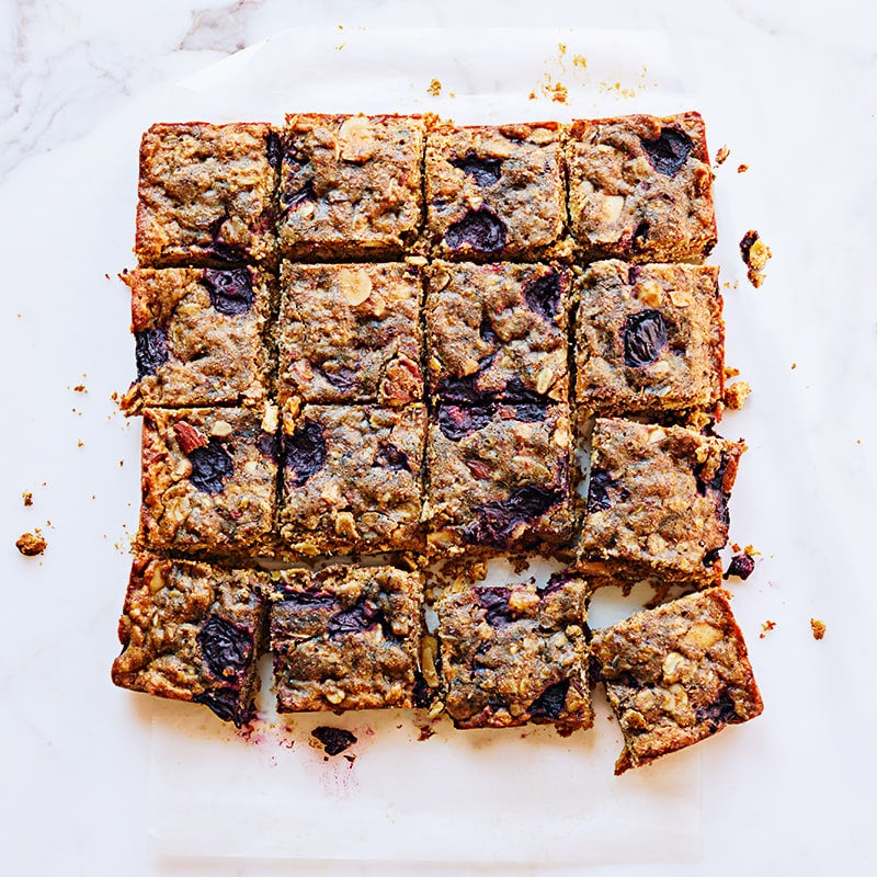 Photo of Almond and cherry oat bars by WW