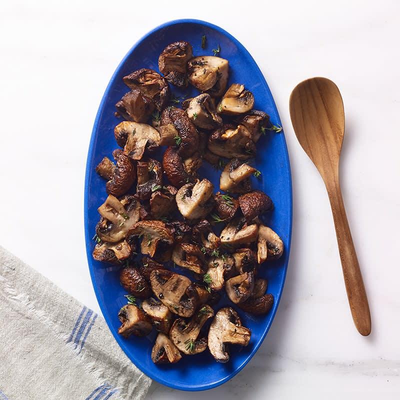 Photo of Air fryer garlic-thyme mushrooms by WW