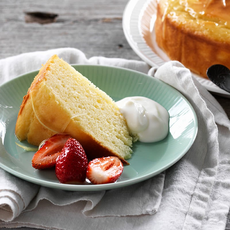 Photo of Lemon yoghurt syrup cake by WW