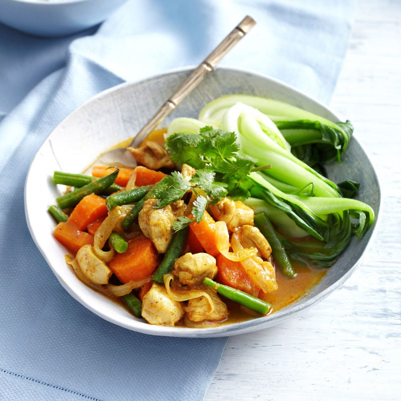 Photo of Fragrant yellow chicken curry by WW