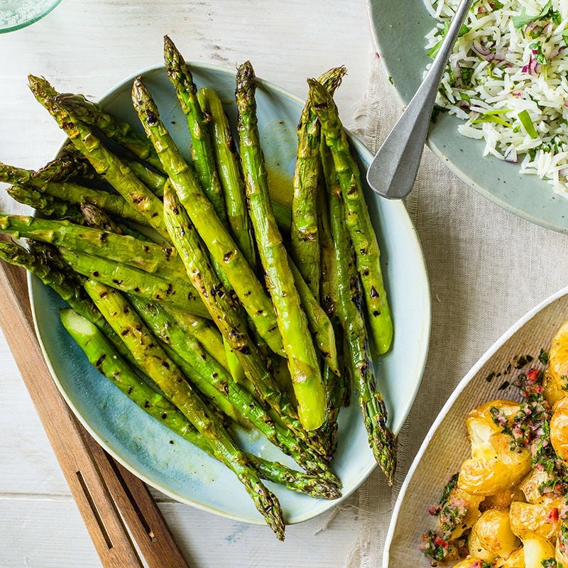 Photo of Grilled asparagus with lemon vinaigrette by WW