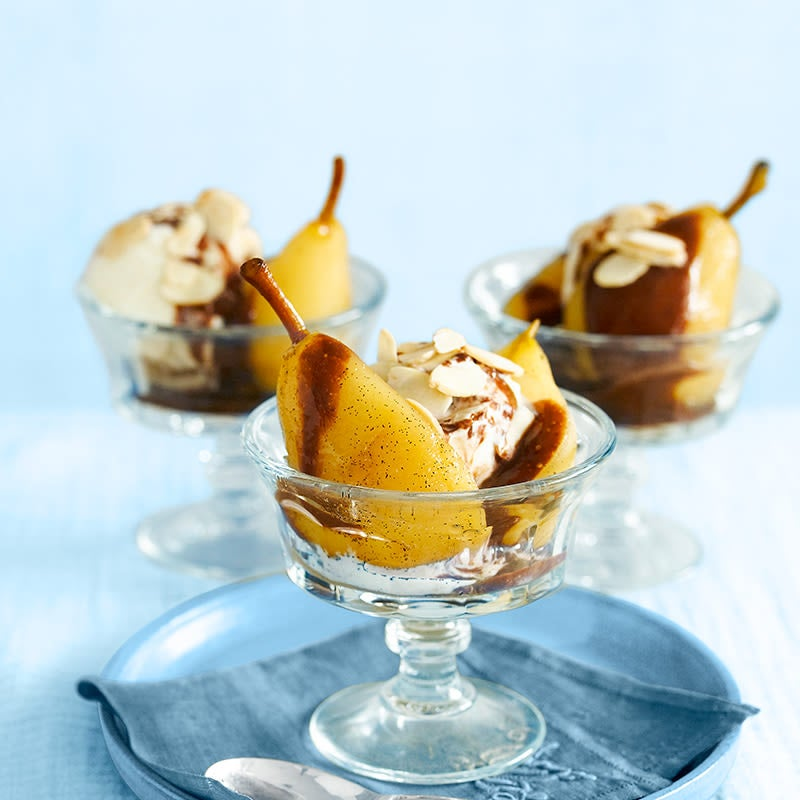 Photo of Poached vanilla pears with chocolate sauce by WW