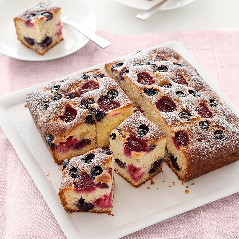 Photo of Berry and coconut cake by WW